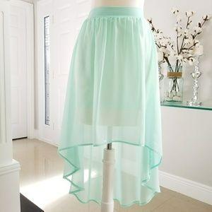 | CHARLOTTE RUSSE | Divine Mullet Lined Skirt S